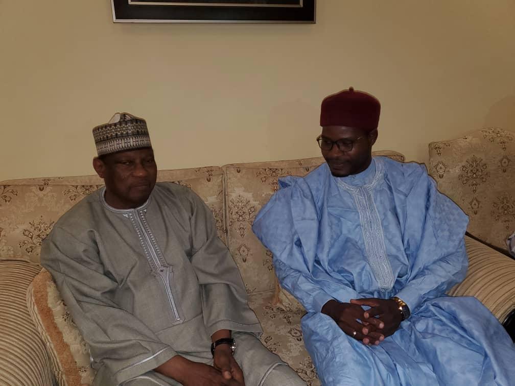 Le Président a visiter M. Hama Amadou pour les condoléances